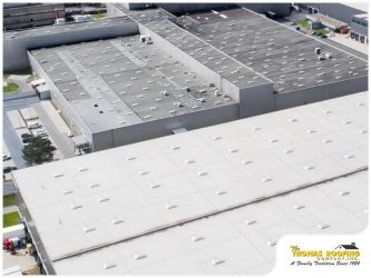3 Signs That Indicate a Commercial Roof Replacement Is Due